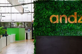 Andzen HQ, West End