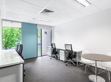 Regus - Canberra, Kingston image 5