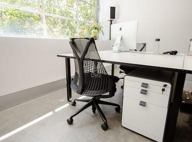 Darlinghurst Light Filled Office image 3