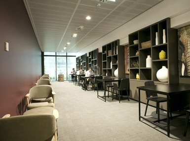 The Executive Centre - Three International Towers image 4