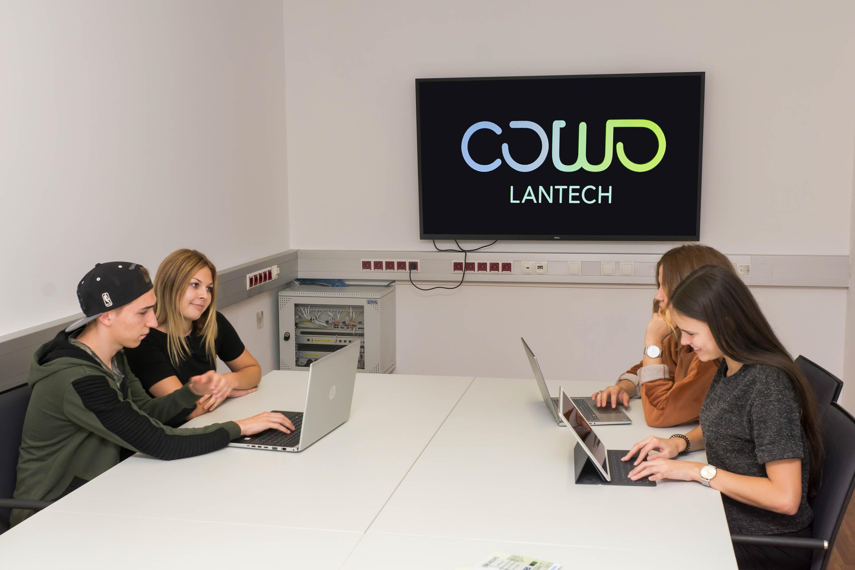 Cowo Lantech, Landeck