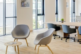 Regus Messecarree, Modling