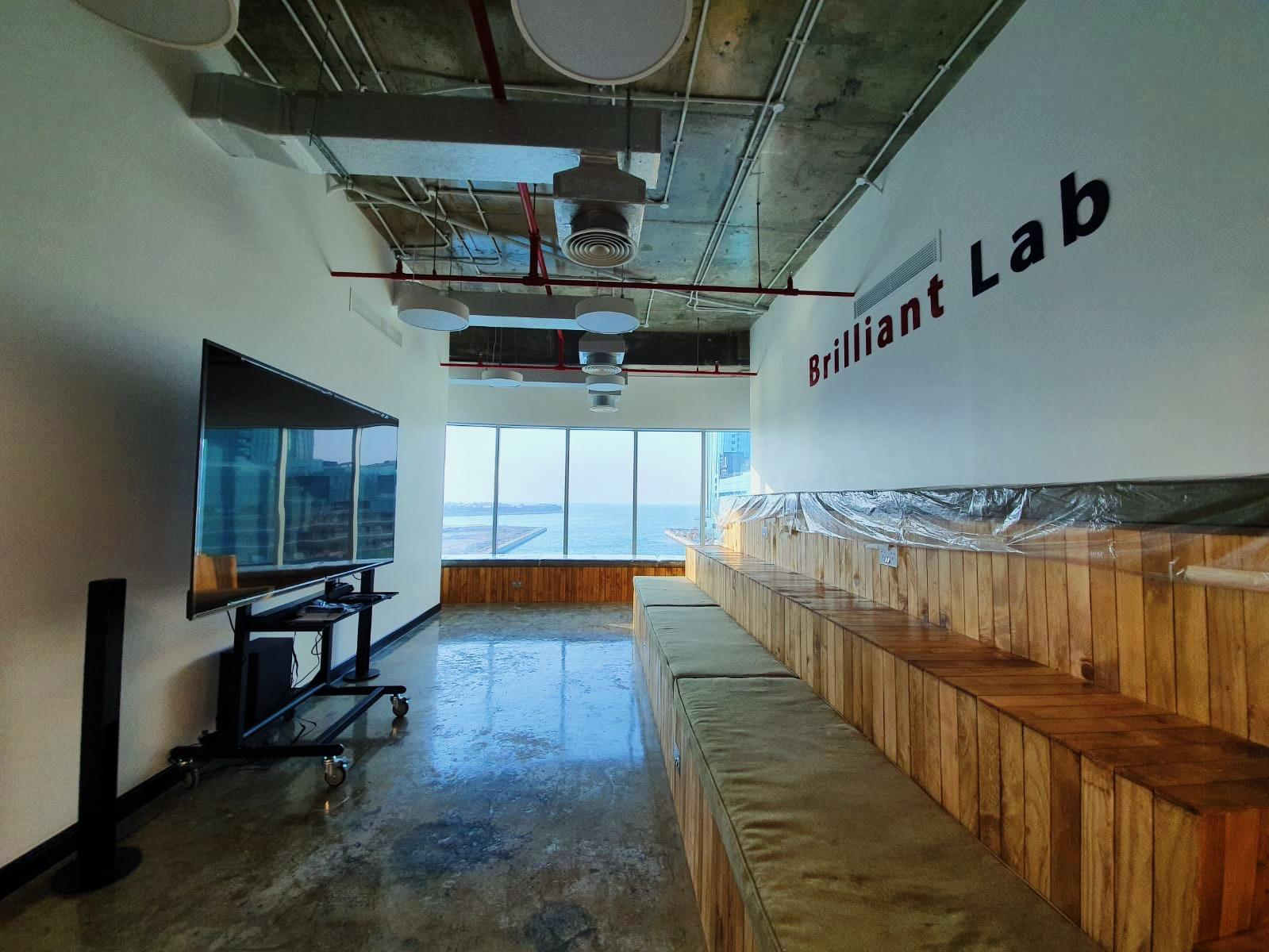 Brilliant Lab, Manama