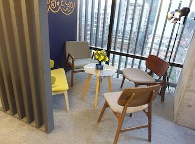 Office Suites image 4