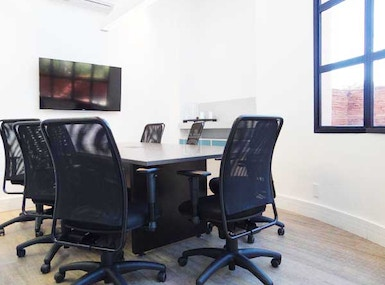 4 You Coworking image 4
