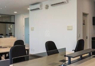 Work Lounge image 2