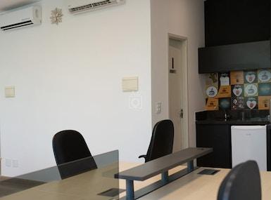 Work Lounge image 5