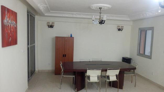 Bureau807, Douala