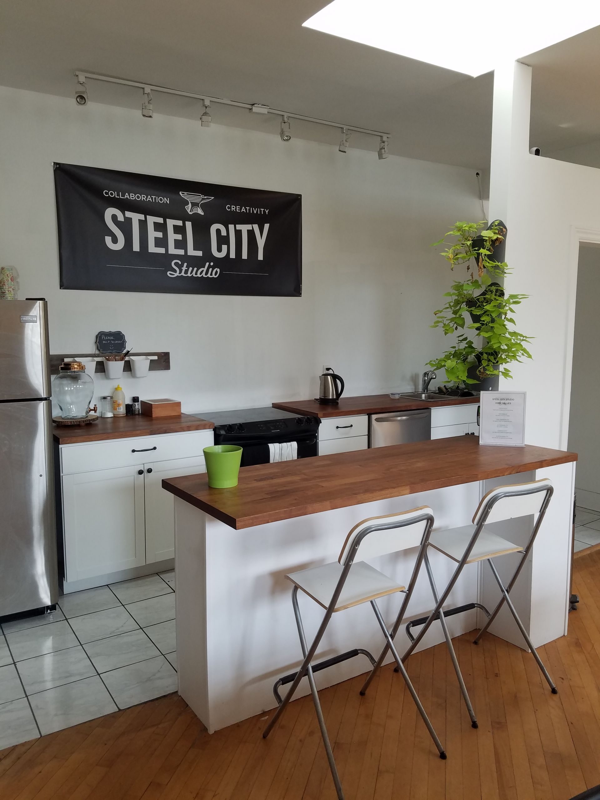 Steel City Studio, Hamilton