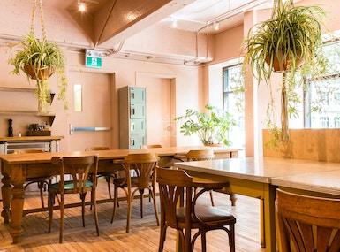 CAFÉ PARVIS & workspace image 3