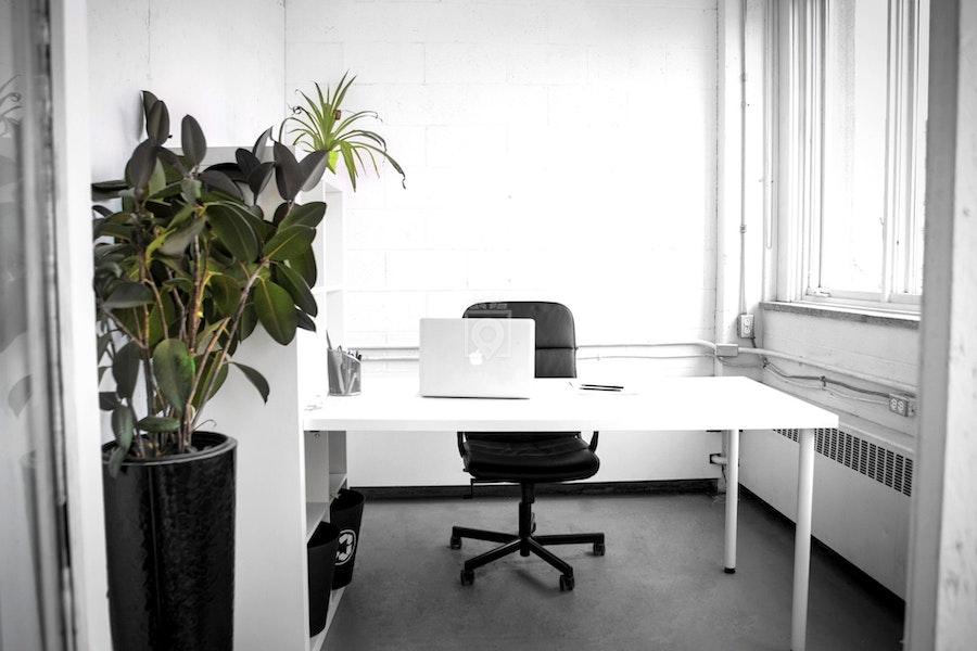 Bureaux partagés montréal: bureau fermé pour entreprise de 1 à 20
