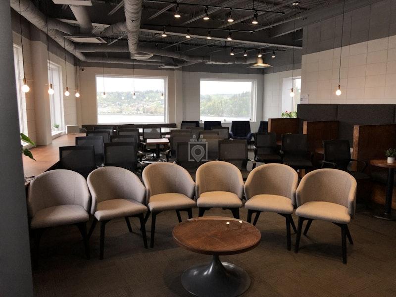 Le Bureau - Milieu d'affaires, Saguenay