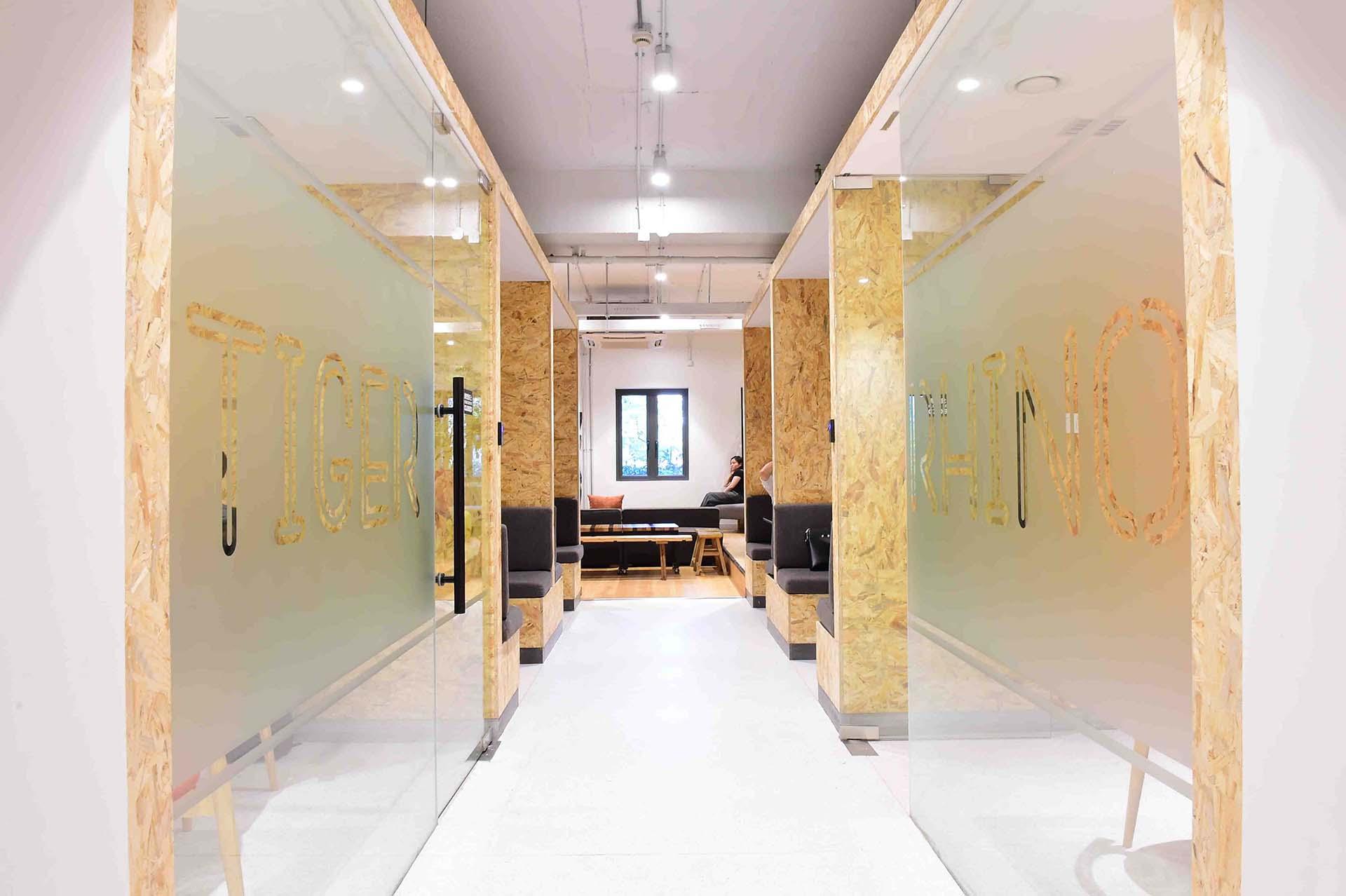 Naked Hub - Shanghai, Shanghai - Read Reviews Online