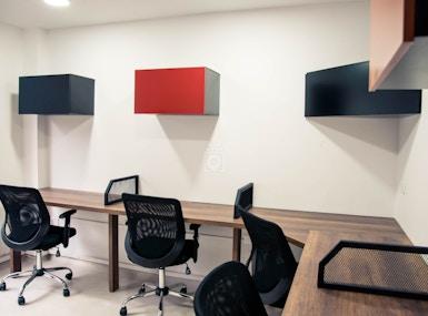 El Cluster Coworking Hub image 4