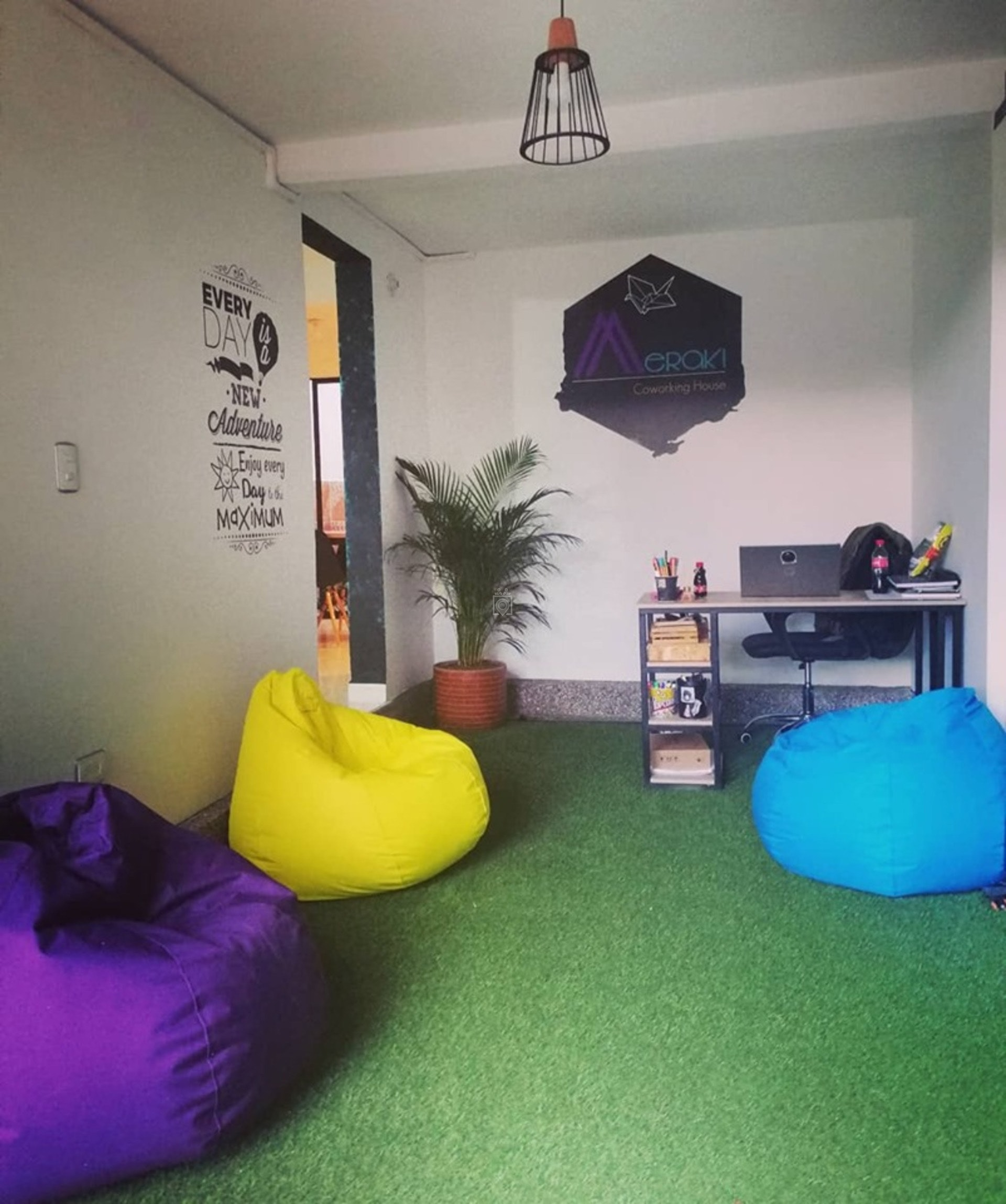 Marvelous Meraki Coworking House Sabaneta Book Online Coworker Alphanode Cool Chair Designs And Ideas Alphanodeonline