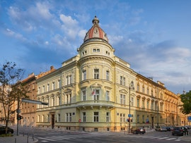Hub385 Zagreb Book Online Coworker