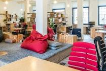 Paper Hub, Prague