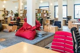 Paper Hub, Dobrichovice
