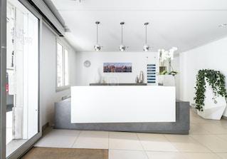 HQ - Paris Auteuil image 2
