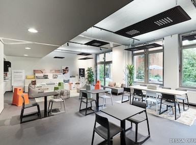 Design Offices Berlin Bahnhof Westend image 5