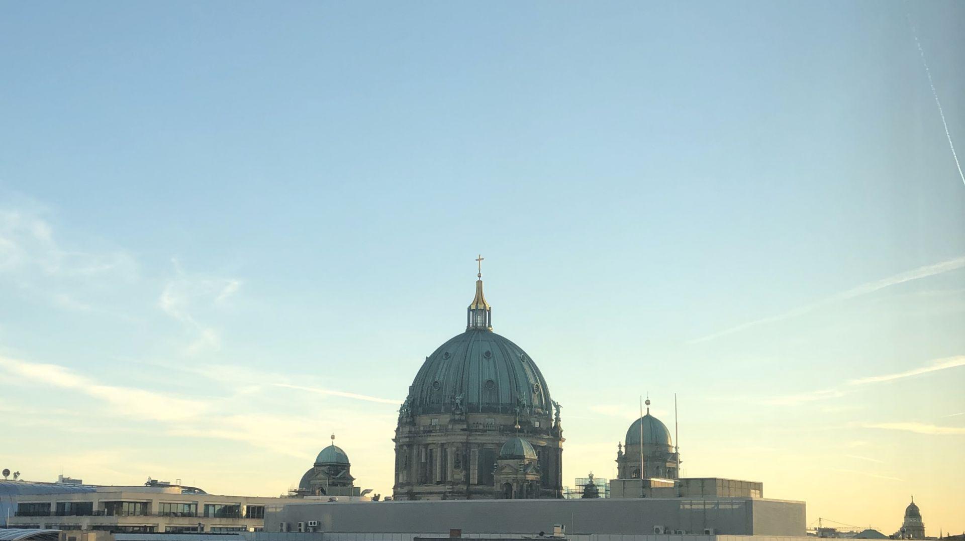 Lovestone, Berlin