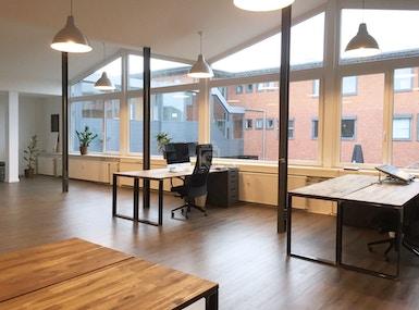 Fenster zum Hof | Bürogemeinschaft in der Alten Stauerei image 4