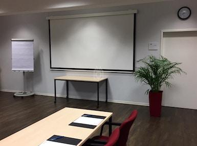 IQ Office image 3