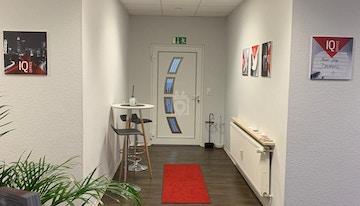 IQ Office image 1