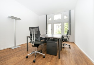 Office Lodges image 2