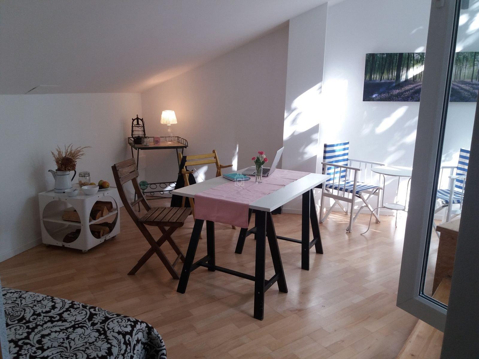 Lia Life Atelier, Munich - Book Online - Coworker