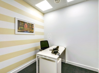 Regus Oldenburg, Stau 125 image 5