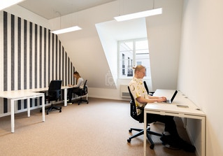 Regus Dusseldorf Andreasquartier Spaces image 2