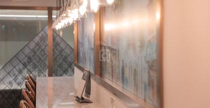 Metro Workspace - Central, Café Le Lourve, Hong Kong | coworkspace.com