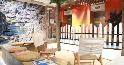 Metro Workspace - Wan Chai, What a Beach, Hong Kong | coworkspace.com