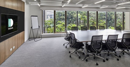 theDesk United Centre, Hong Kong | coworkspace.com