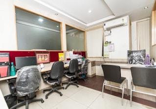 INSTASQUARES Business Center image 2