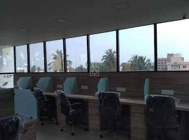 VShare Coworking Spaces image 4