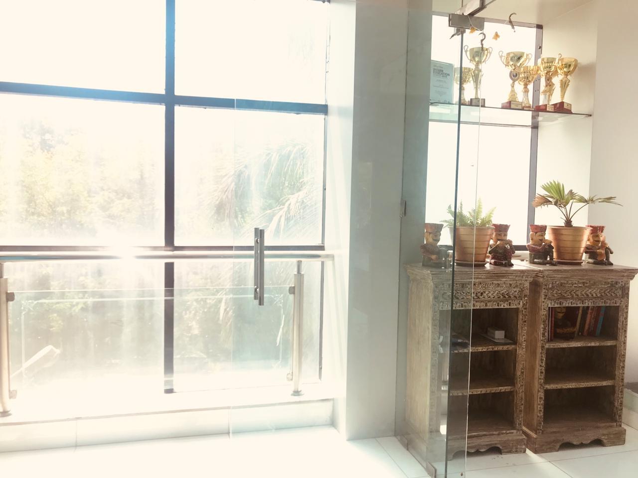 Studio By The Lake, Mumbai