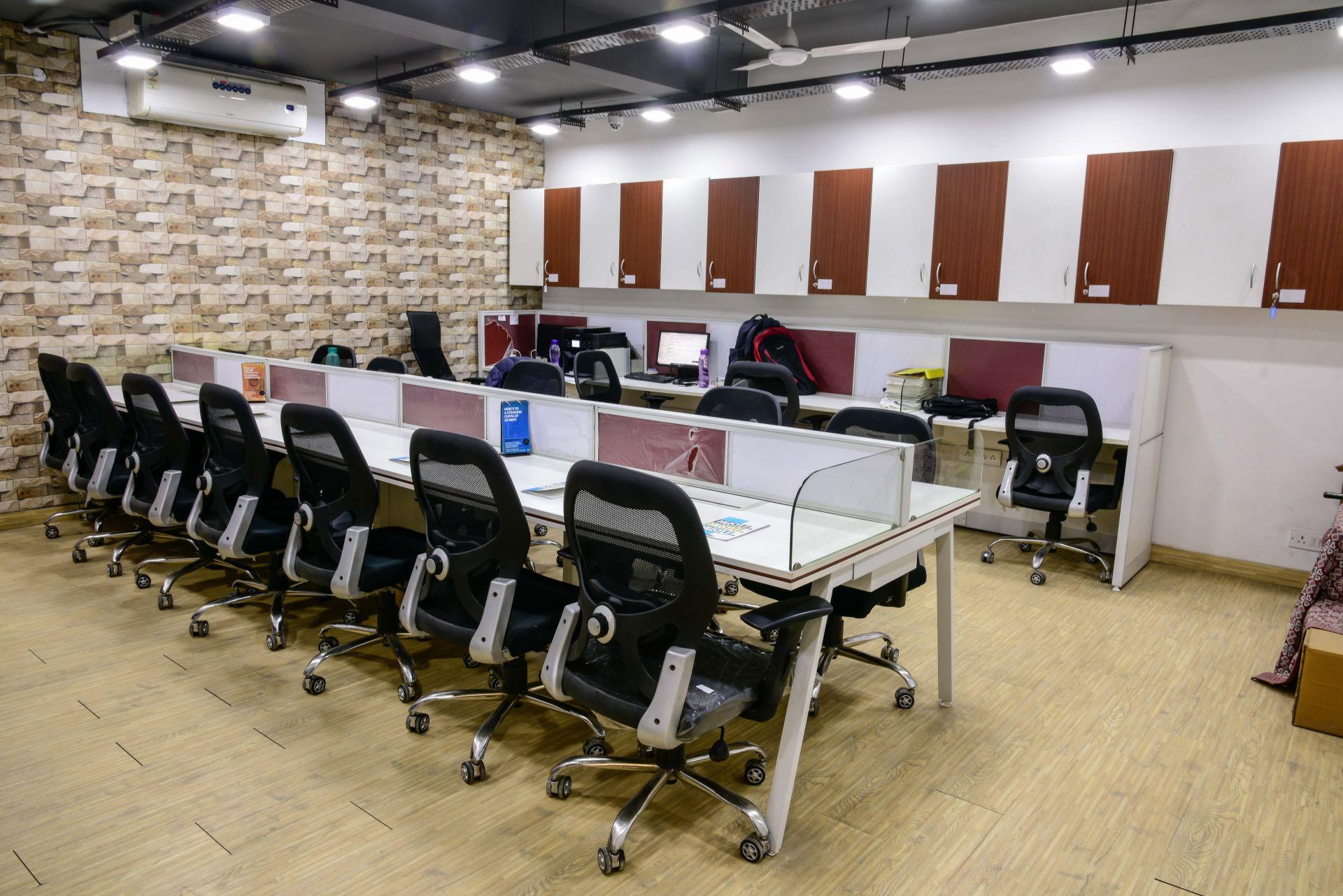 myHQ coworking at D&B, New Delhi