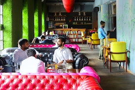 myHQ Coworking in Connaught Place (CP / Rajiv Chowk) - FLYP@MTV Cafe, Ghaziabad