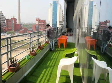 OUR OFFICES- Luxurious coworking space image 4