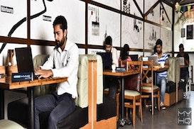 Zu Tisch myHQ Workzone, Gurgaon
