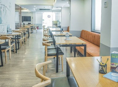 OYO Townhouse Cafe Curryhut - myHQ Coworking Cafe image 4