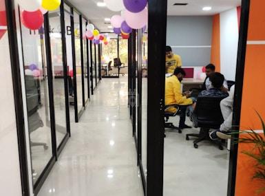 Work Studio Coworking Kidwaipuri image 4