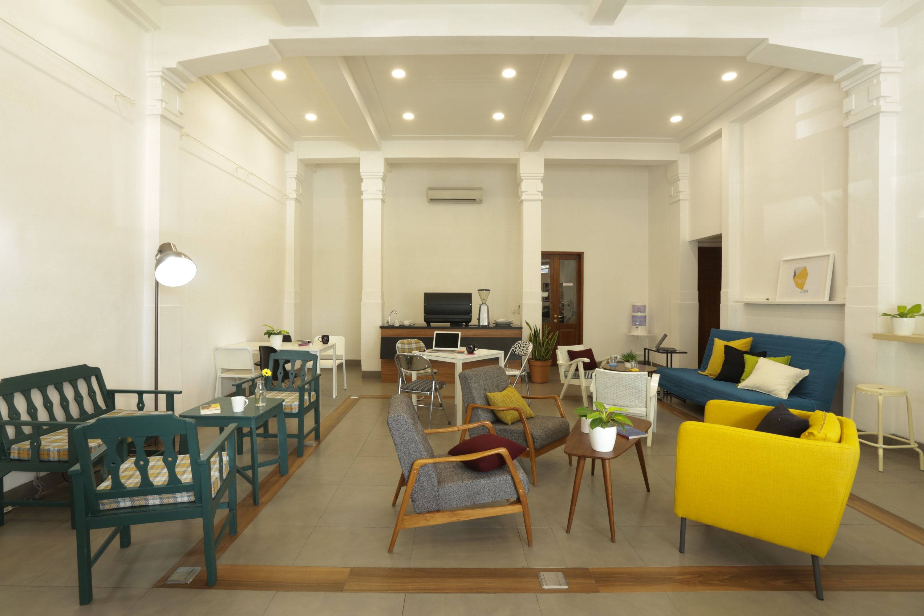 Spa Cube Utrecht : Hub u coworking space jakarta read reviews book online