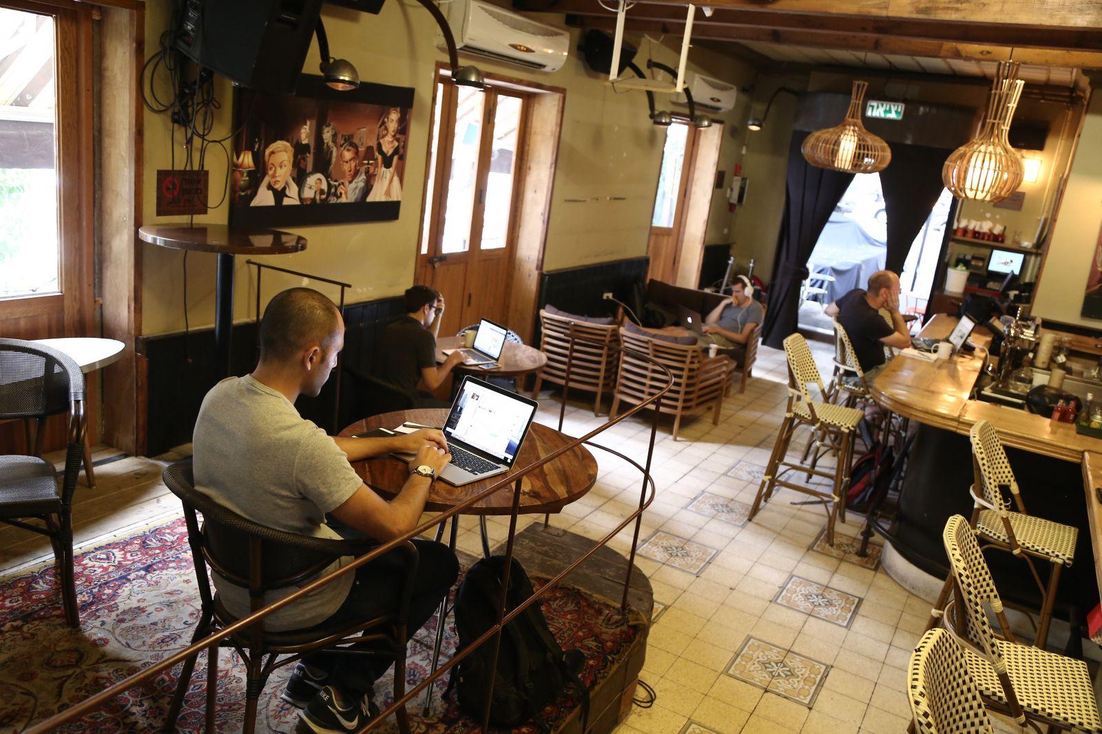Dnipropetrovsk, pub MakhnoPAB: address, photo, reviews