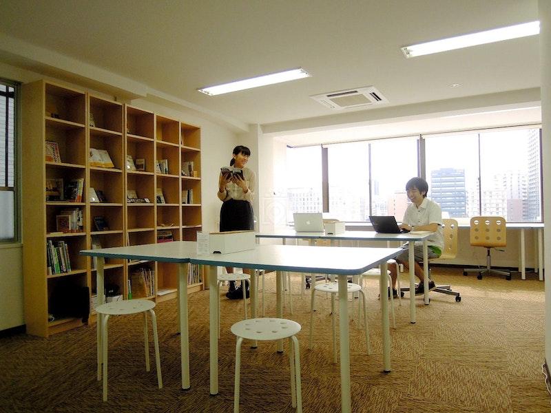 Crossing Coworking, Osaka
