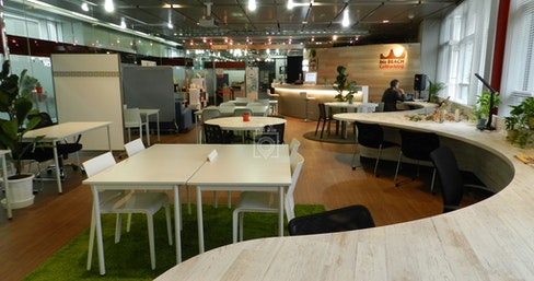 biz BEACH CoWorking, Tokyo | coworkspace.com