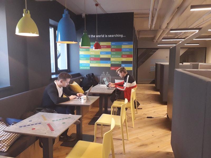 People Work, Riga