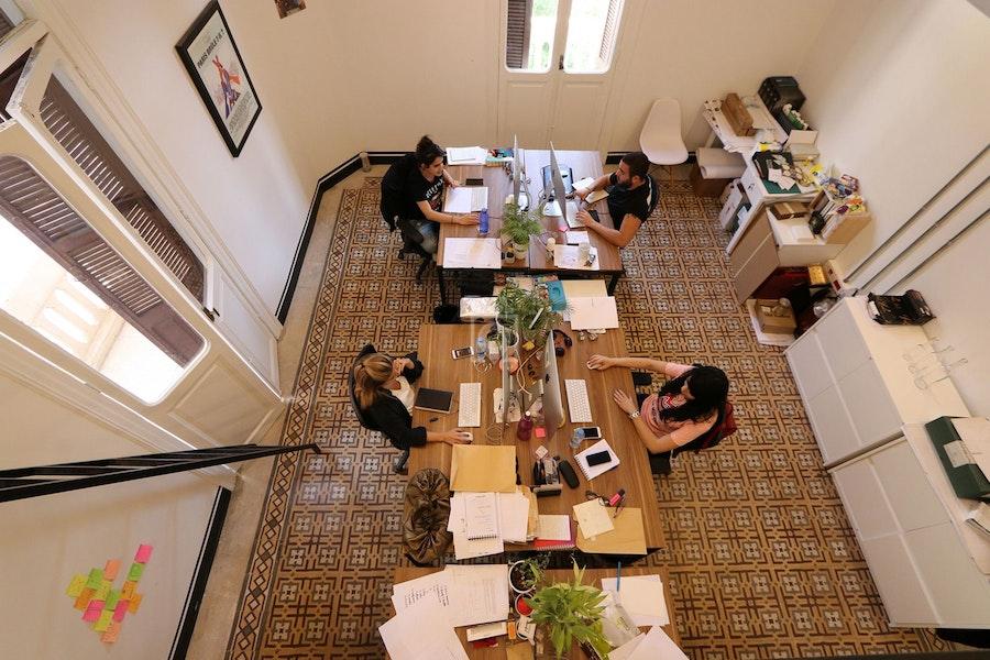 Antwork beirut read reviews book online for Office design hamra